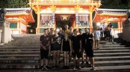 Student und MINT-EC-Alumni Lukas (Dritter von rechts), derzeit zum Praktikum in Japan, besuchte uns spontan